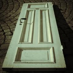 Street-Door